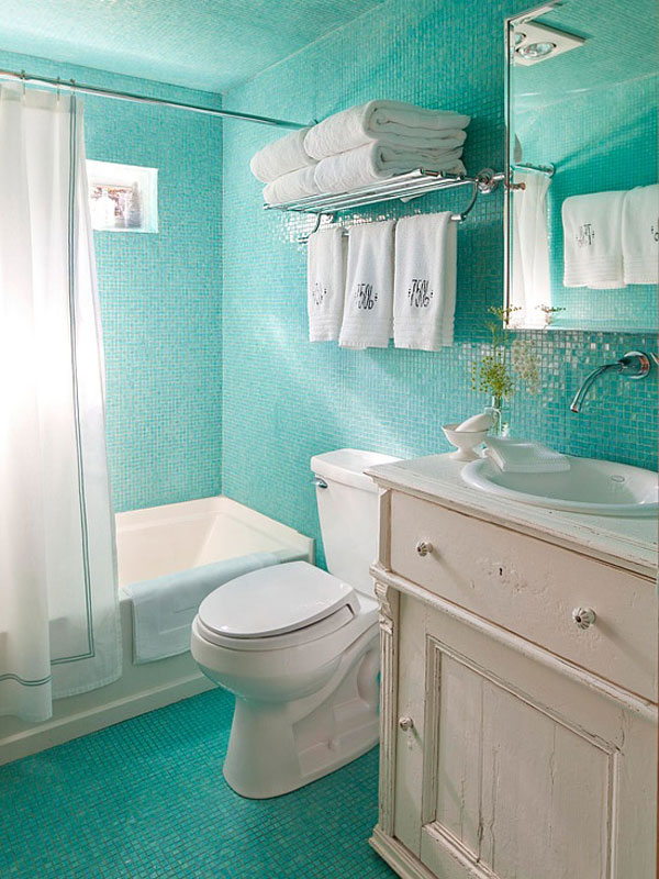 Ideas for small bathrooms quickbath for Bathroom ideas for very small bathrooms
